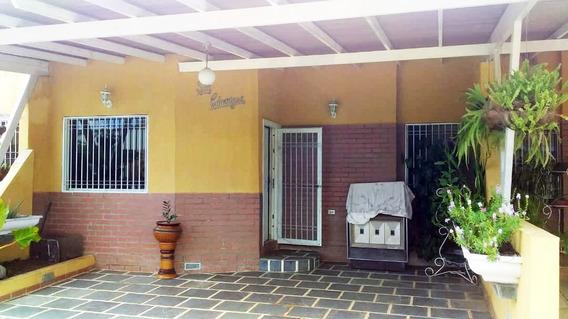 Casa En Alquiler Zona Tipuro Urb. Las Palmeras I Emg