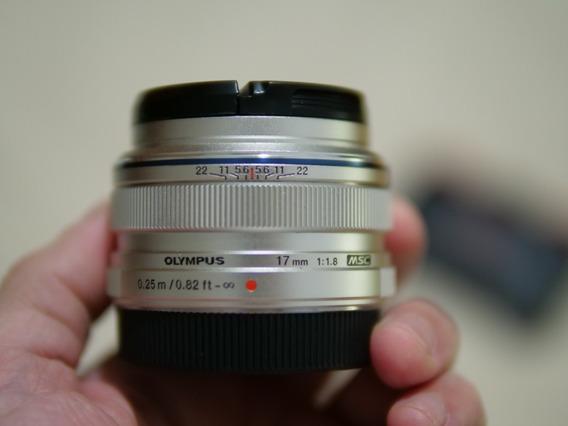 Lente Micro M.zuiko Olympus 17mm F/1.8