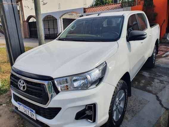 Toyota Hilux 2.8 Cd Sr 177cv 4x4 2019