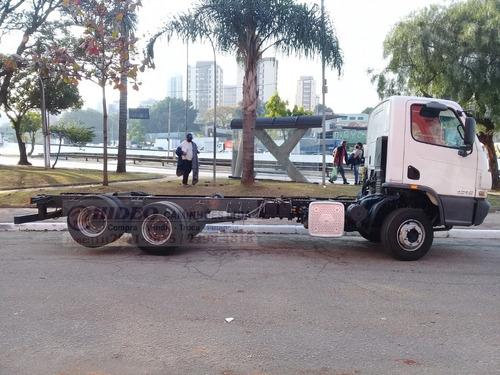 Imagem 1 de 9 de Mb 1316 Truck 2016