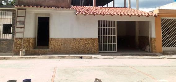 Se Vende Casa En Turmero Municipio Mariño Urb La Fuente.