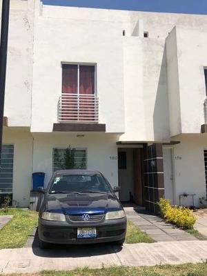 Casa En Venta En Rinconada, Zapopan.