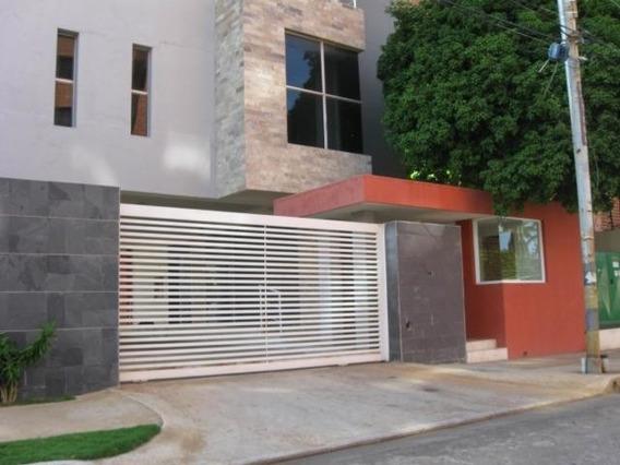 Luis Infante Mls# 20-11210 Apartamento En Bella Vista