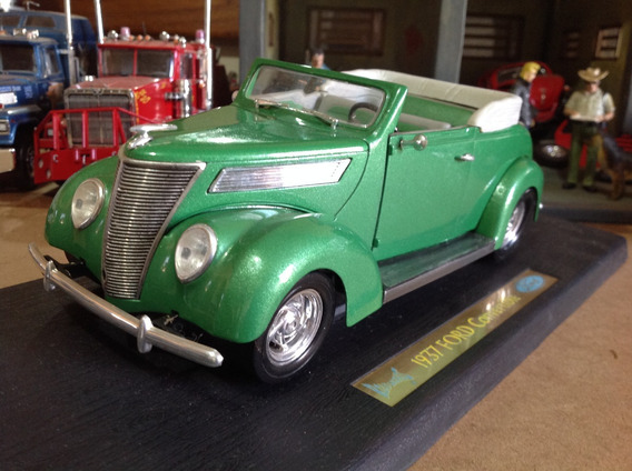 Miniatura Road Legends 1/18 Ford Convertible 1937 - Rara!