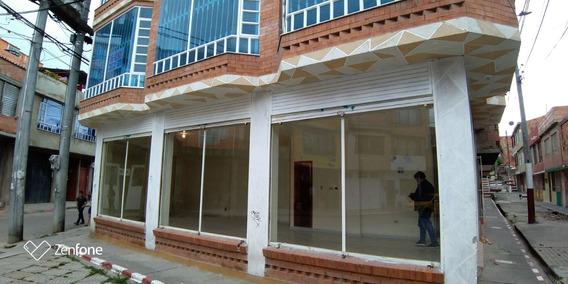 Casa En Soacha Con Proposito Comercial, Amplios Locales