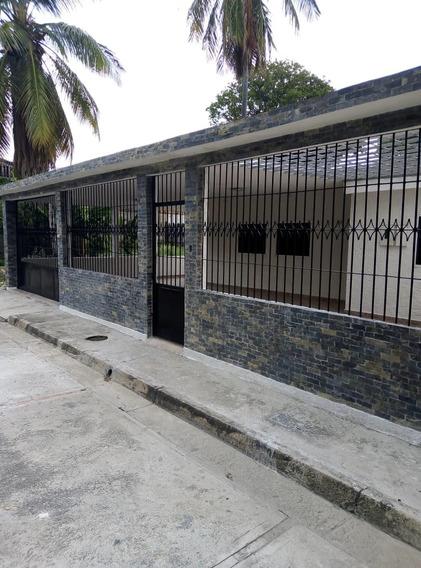 Casa En Venta En Urb La Fuente Turmero 04243745301