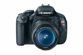 Canon Eos T3i + Canon 18-55mm