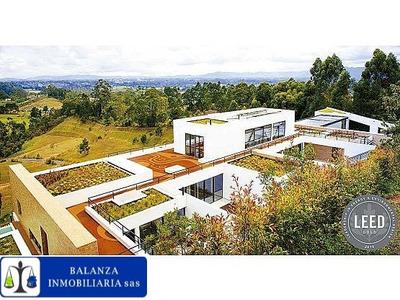** Casa Campestre Autosostenible Rionegro