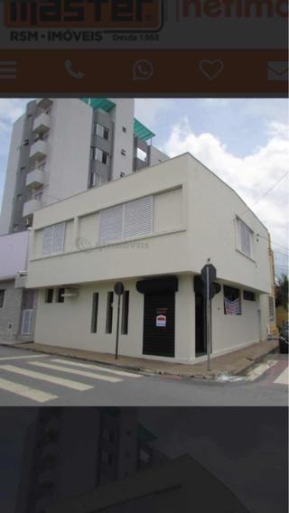 Casa Comercial De Esquina No Centro De Montes Claros/mg