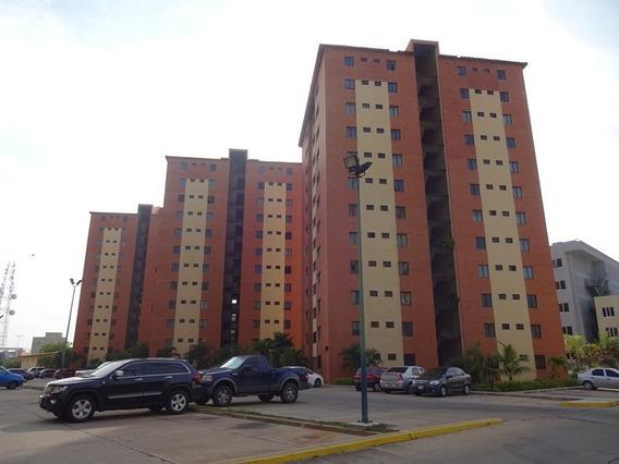 Apartamento En Alquiler En Lecheria, C.r Las Palmeras