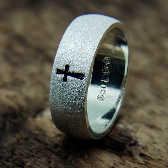 Anel Religioso Prata 950 Cruz Baixo Relevo Diamantada 6mm