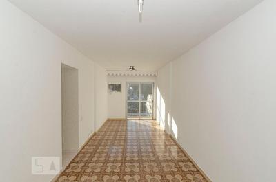 Apartamento No 7º Andar Com 2 Dormitórios E 1 Garagem - Id: 892916547 - 216547
