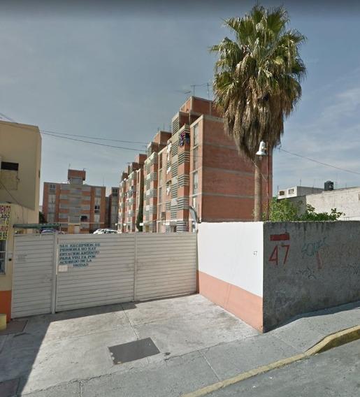 Remate Departamento En Iztacalco