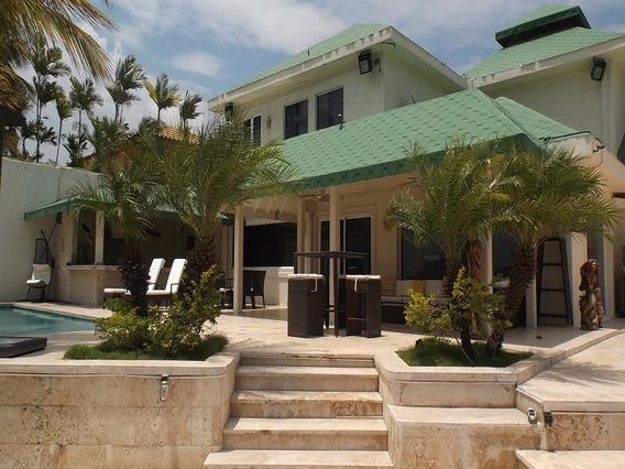 Casa En Venta Las Villas Lecheria Hermosa Y Exclusiva