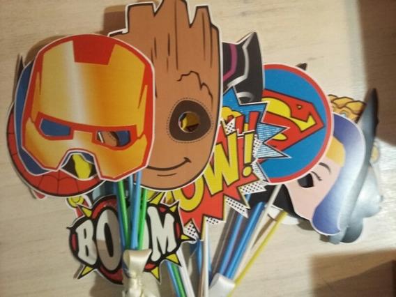 Props Vengadores-superheroes Marvel Dc 12 Carteles P/selfies