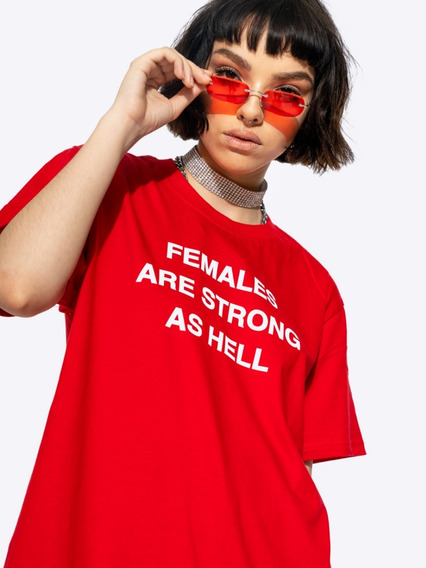 Remera Alien Princess Modelo Females Are Strong