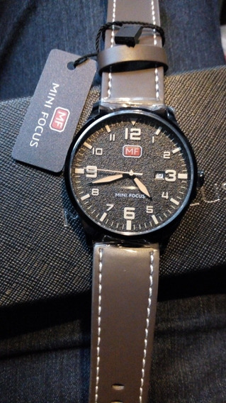 Relógio Mini Focus Masculino Pulseira Couro Costurada