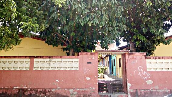 Casa No Bairro Jardim Das Oliveiras - Quarto, Sala, Banheiro