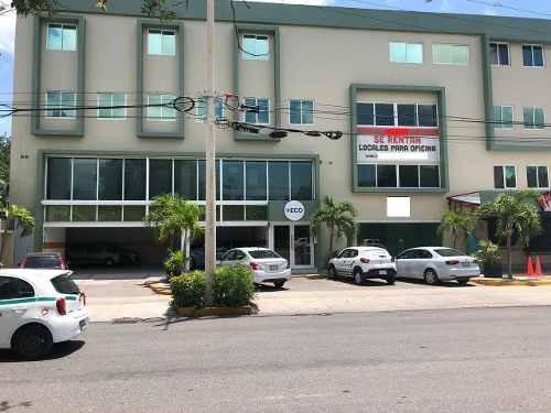 Renta De Local Comercial En Plaza Comercial Av Kabah Cancun