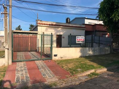 Casa 2 Dormitorios, Calle Patagonia, Cerro. Alquiler