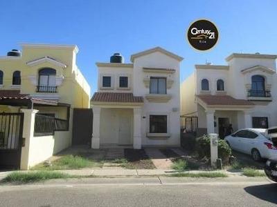 Bonita Casa De Dos Niveles En Renta Al Poniente De La Ciudad, Semi Amueblada, Ubicada En Cerrada Con