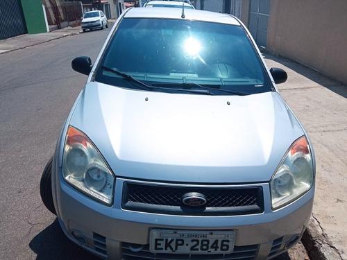 Imagem 1 de 6 de Ford Fiesta 2009 1.0 Flex 5p 68.8 Hp