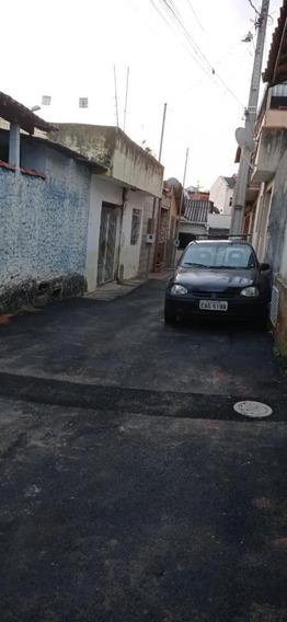 Casa Para Locação No Bairro Tijuca Em Pouso Alegre-mg. - Cs503l