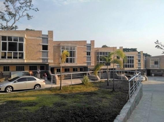 Exclusiva Casa En Venta En Villa Lago Guataparo Mg