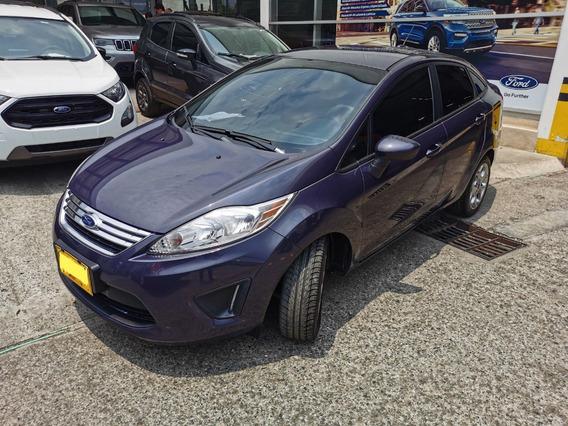 Ford Fiesta Sedan 2013