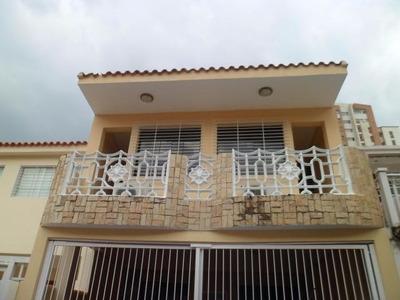H.a Townhouse En Venta En Los Mangos