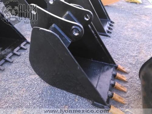Imagen 1 de 15 de Cucharon Para Retroexcavadora Cat, Case Y John Deere 60 Cm