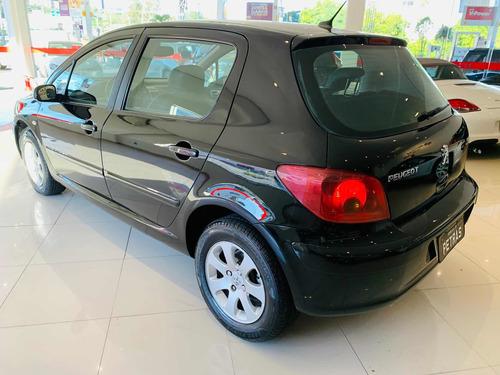 Imagem 1 de 10 de Peugeot 307 2006 2.0 Feline Aut. 5p