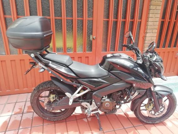 Moto Pulsar Ns 200 Negra