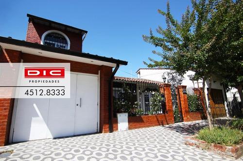 Chalet 4 Amb Con Espectacular Jardin En Lote De 10x40 - Villa Adelina
