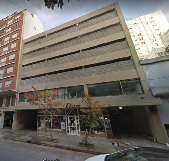 Cochera Frente A La Municipalidad