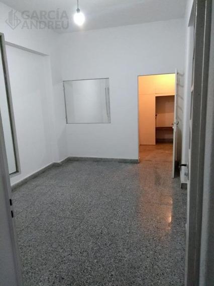 Casa 9 De Julio Al 4700 - Azcuenaga