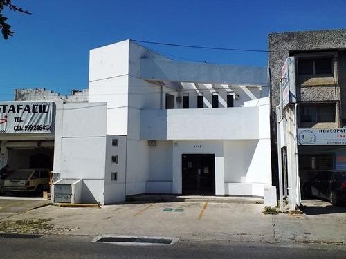 Centro Local En Renta Sobre Avenida Itzaes