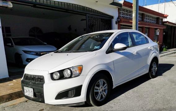 Chevrolet Sonic 2012 Blanco 4 Puertas Motor 1.8 4 Cilindros