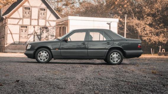 Mercedes-benz Mercedes E 320. 1995
