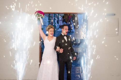 Imagem 1 de 10 de Fotógrafo Profissional De Casamentos / Aniversários / Festas
