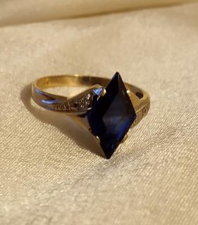 Anillo Oro 18 Sell. Con Espléndido Zafiro Azul Natural