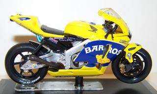 Honda Rc211v Moto Gp Alex Barros 2005 - Escala 1:22 - Raro !