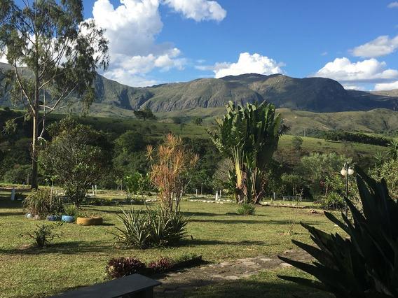 Fazenda E Pousada Rural , Com 50 Hectares, Com Vista Privilegiada Do Paredão Da Serra Da Canastra, Bem Em Frente Às Cachoeiras Da Lavra E Da Lavrinha . - 428