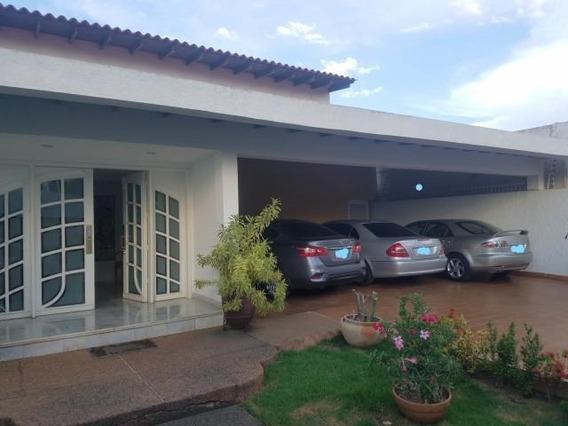 Casa En Venta. Los Olivos. Mls 20-17448. Adl.