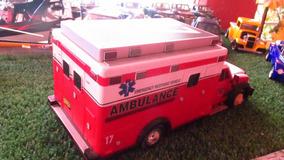 Miniatura Ambulância De Resgate A Pilha Escala 1/14