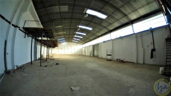 Excelente Local A Pasos De Av.italia Entrada Container -iza-