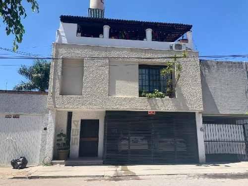 Casa Sola En Venta En Ciudad Deportiva, Irapuato, Guanajuato
