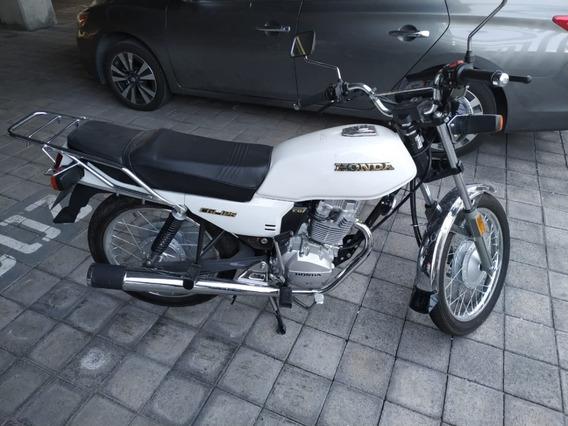 Motocicleta Honda Cgl 125 Con 1,197 Km