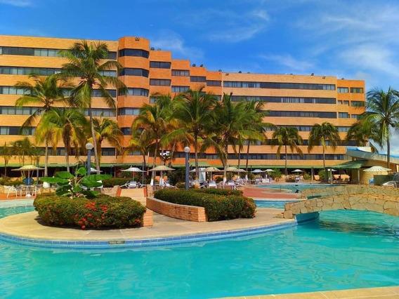 Apartamentos En Tucacas, 0241-8239522 Código 422425