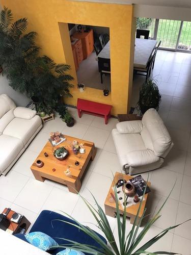 Vendo Casa Actualizada Con Finos Acabados Seguridad 24 Hrs.